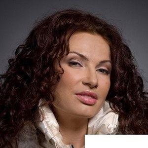 Биография Эвелины Блёданс