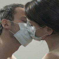 Коронавирус не передается половым путем