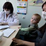 В России поменяют порядок выплаты больничных и пособий матерям